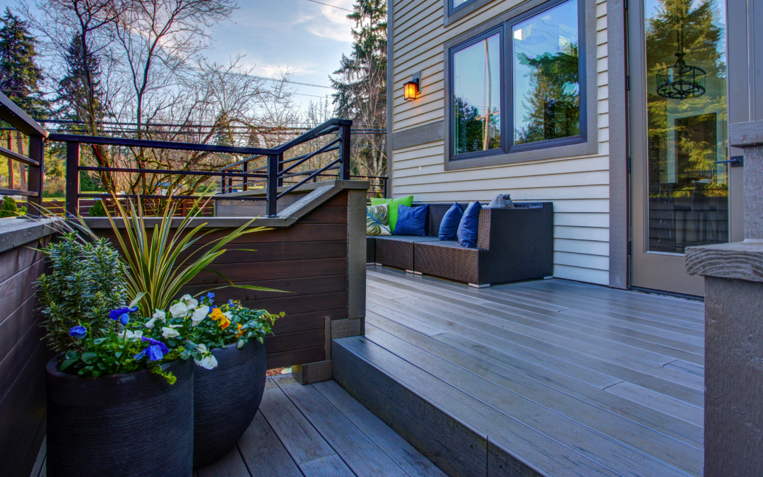 How to Stage a Backyard for Sale