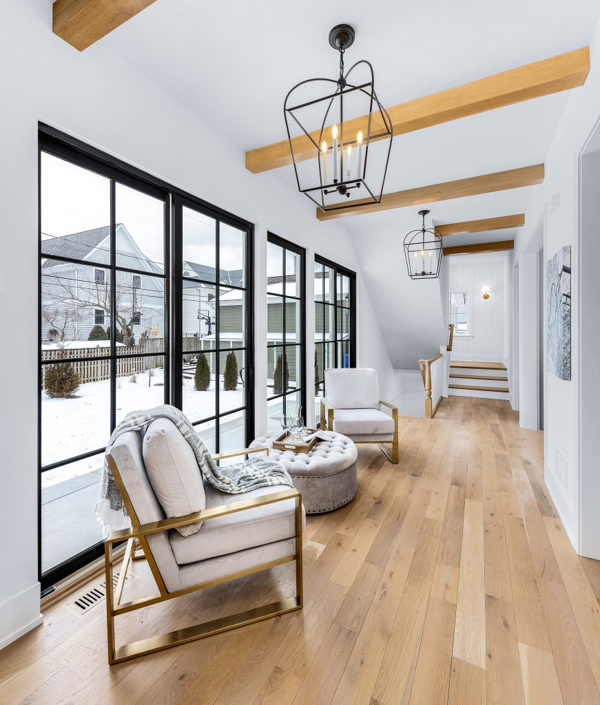 Fall 2020 Homebuyers Want Respite Homes Chicagoland Home Staging Hallway
