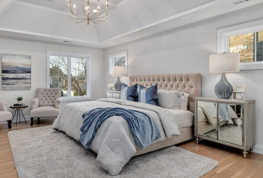 home staging small space